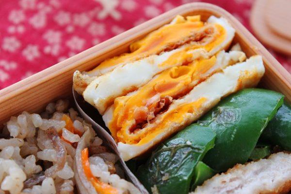 美味しくてやめられない!「両面目玉焼きのおかか醤油」のお弁当 by:料理研究家 かめ代さん