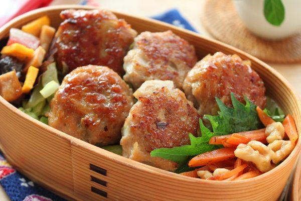 食感が心地いい♪「シャキシャキれんこん入り!鶏つくね」のお弁当 by :料理研究家 かめ代さん