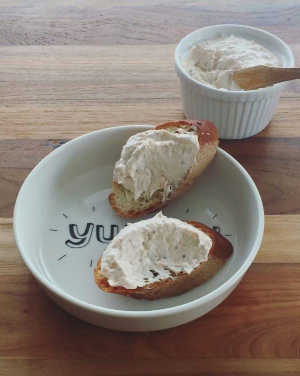 混ぜるだけ!栄養ばっちりの簡単ディップ「サーモン&クリームチーズ」 by:ヤミー(清水美紀)さん