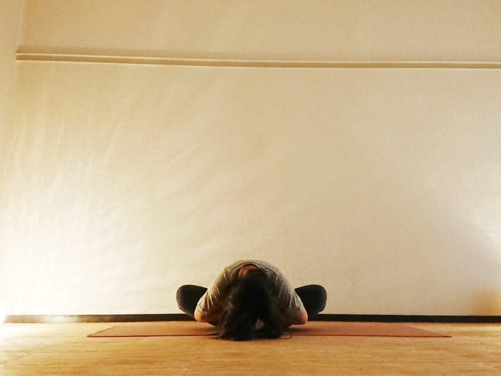 むくみスッキリ!股関節まわりをほぐすヨガ「がっせきのポーズ」 by ヨガインストラクター kayoさん