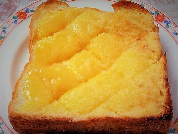 <甘くてこってりメロンパン風トースト> by :はーい♪にゃん太のママさん