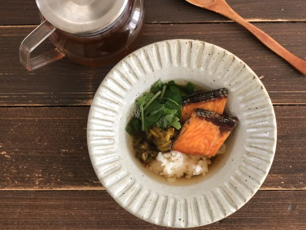寒さで悪化する生理痛対策に◎お手軽「焼き鮭のだし茶漬け」