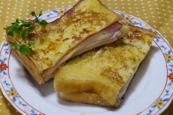 クロックムッシュ風☆豆乳・とろけるチーズ入りフレンチトーストサンド by :はーい♪にゃん太のママさん
