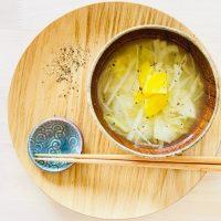 """朝ごはんで""""冷え""""をケア♪手軽に作る「野菜と生姜の味噌汁」レシピ"""