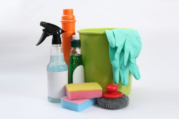 掃除道具や洗剤