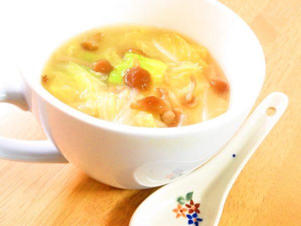 冬にほっこり♪白菜となめこのお味噌汁kaana57さん