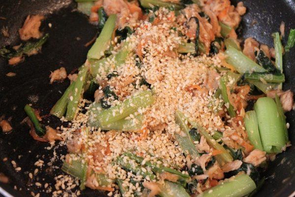 ツナと小松菜の炒めもの