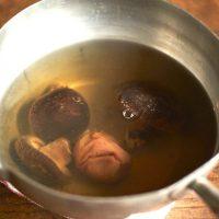 忘年会シーズンに◎疲れた胃をリセットする「しいたけだしのスープ」
