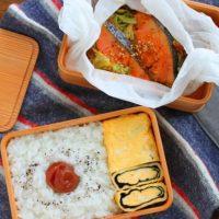 レンジで楽チン!「鮭のちゃんちゃん焼き風」「のり巻き卵」2品弁当