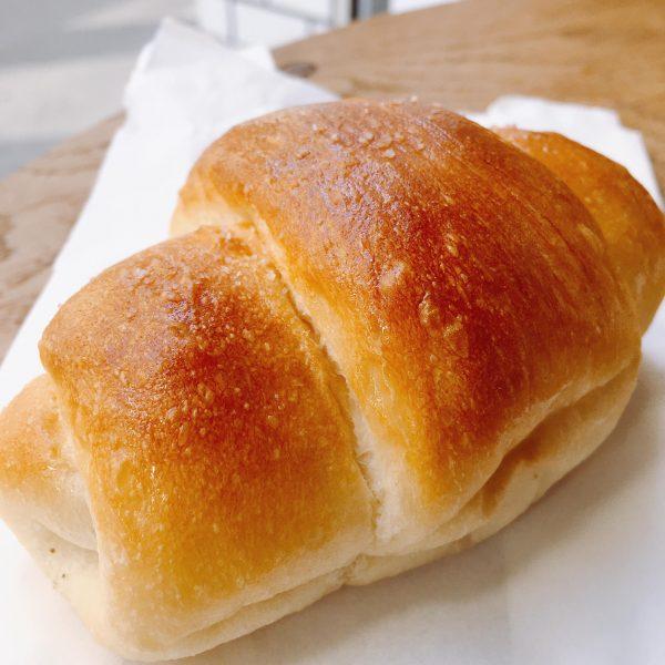 【三軒茶屋】白トリュフが入って180円!コスパが良すぎる「トリュフベーカリー」の塩パン