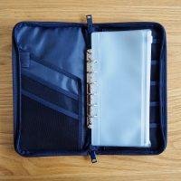 現金の管理に使える!クリアポケットが便利な「無印良品のパスポートケース」
