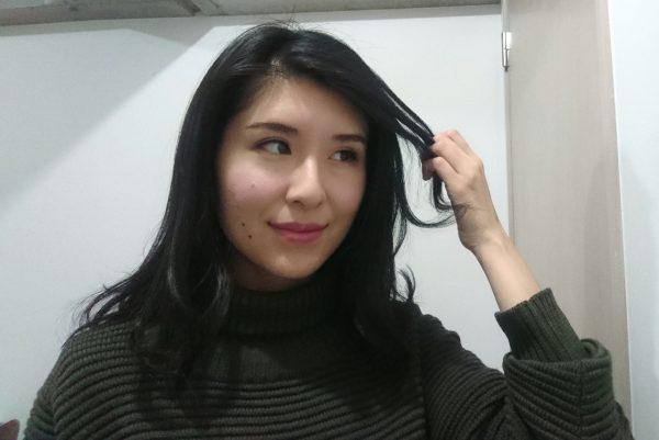 前髪を巻く