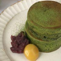 ホケミで簡単!冬の朝に食べたい「栗と抹茶のスフレパンケーキ」
