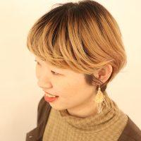 ストレートアイロンで簡単!ふんわり自然な「流し前髪」の巻き方プロセス♪