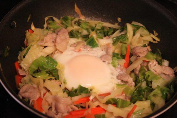 肉野菜巣ごもり卵
