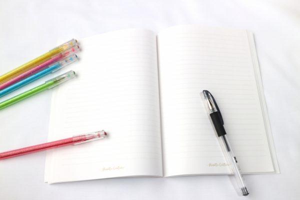ノートとカラーペン
