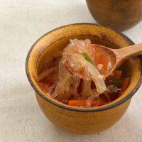 包丁いらず!レンジ6分の簡単レシピ「野菜はるさめスープ」