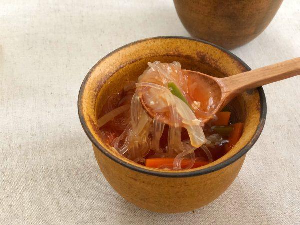 包丁いらず!レンジ6分の簡単ダイエットレシピ「たっぷり野菜の春雨スープ」
