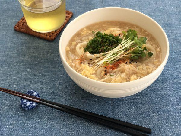 煮こみ時間1分!乾燥やお通じをよくする「えのきと卵のとろみうどん」  by :料理家 齋藤菜々子さん