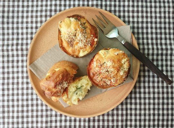 ホットケーキミックスで簡単!「サーモンとチーズのおかずマフィン」  by :料理家 村山瑛子さん
