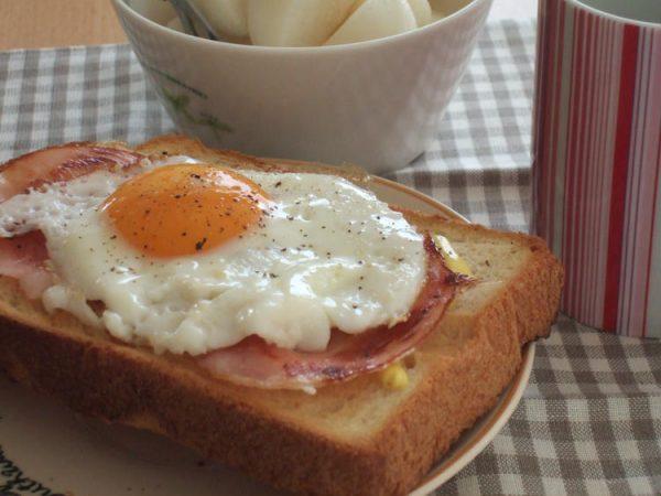 焼きたて食パンのハムエッグトースト by:みちこ。さん