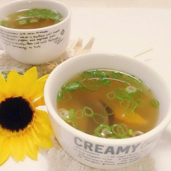 創味シャンタンで簡単生姜中華スープとまとママさん