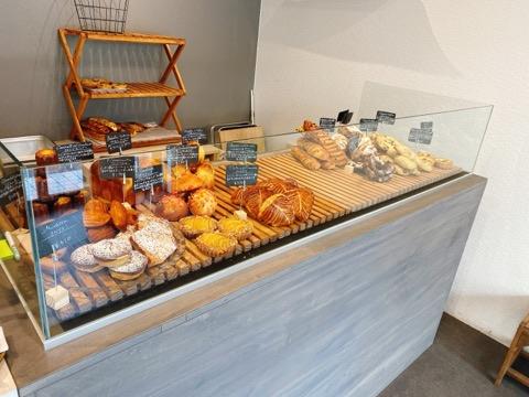【根津】本場フランスの味が楽しめる!オープンしたてのパン屋さん「レ ジニシエ」