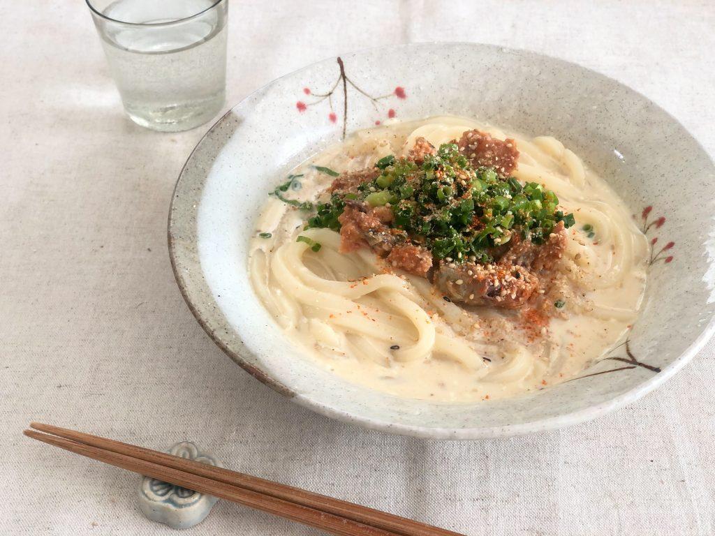 調理時間5分!サバ缶+レンジで簡単「サバ味噌スープうどん」