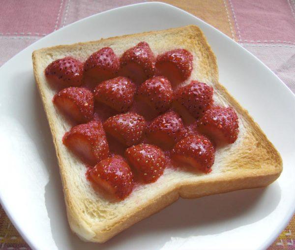 (イチゴのハニー☆トースト by:vegekyonさん)