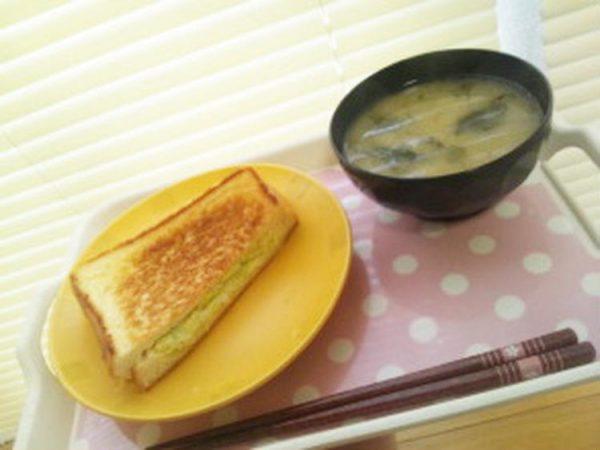 【簡単レシピ】キャベツとチーズのホットサンド  by :簡単家庭料理研究家・鳴海なのかさん