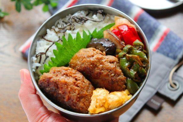 スキマ埋めに便利!簡単「ピーマンのケチャップ炒め」のお弁当 by :料理研究家 かめ代さん