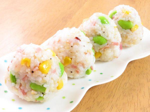 枝豆とコーンとベーコンのカラフルおにぎり by:kaana57さん