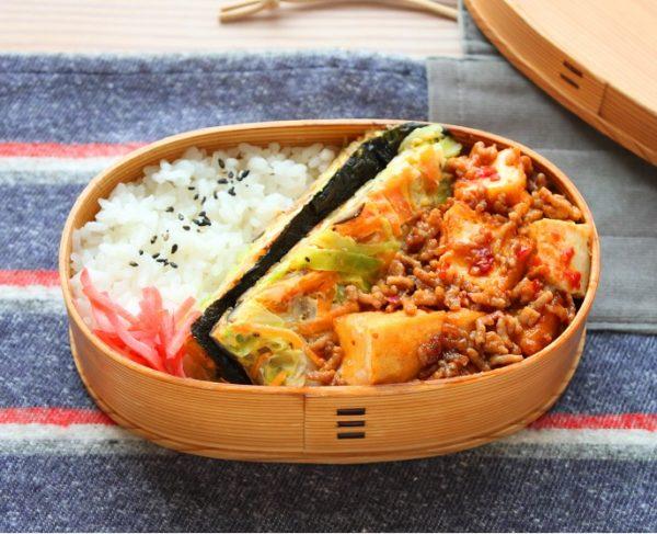 「マーボー厚揚げ」「中華風サンドオムレツ」2品弁当