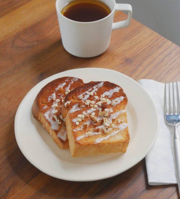 簡単でおいしい♪食パンでお手軽「シナモンロール風トースト」