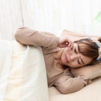 ホルモン、体温…生理前・生理中の睡眠トラブルの原因って?
