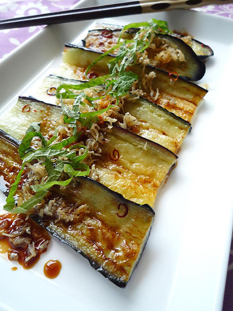 1行レシピ♪茄子のカリカリジャコのせ生姜醤油かけ by:machiさん