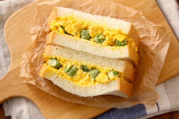 ゆで卵いらずだから簡単!半熟とろふわ「アスパラたまごサンド」
