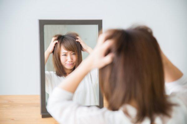 髪が決まらない女性