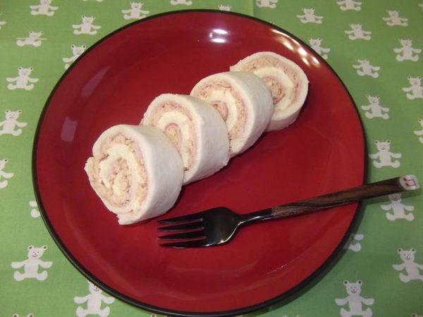 ロールケーキみたいなサンドイッチ by:さちくっかりーさん