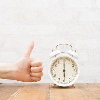 ルーティンを戦略的に変える!早起き歴25年以上の2人が語る「大人の早起き術」