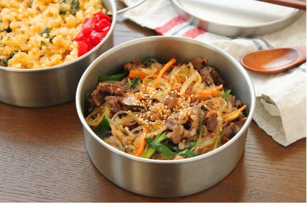 茹でないから簡単!「煮込みチャプチェ」「レンジわかめ炒飯」2品弁当