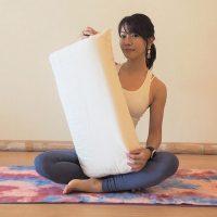 胃の調子がイマイチ…そんな朝に!「枕の位置を変えるだけ」簡単ストレッチ