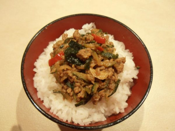 インスタント味噌汁で簡単 ズッキーニと挽肉の味噌煮込み丼 by:CatherineSさん