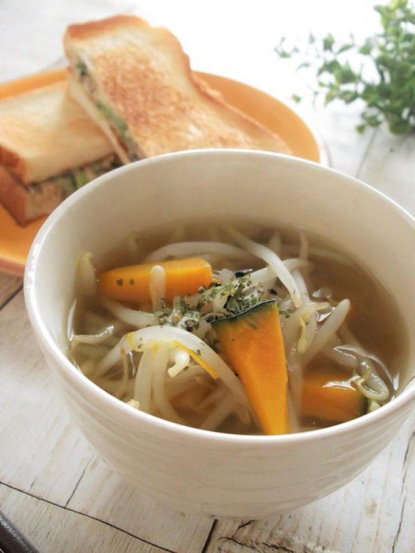 もやしと南瓜のさば出汁スープ(まんまるらあてさん)