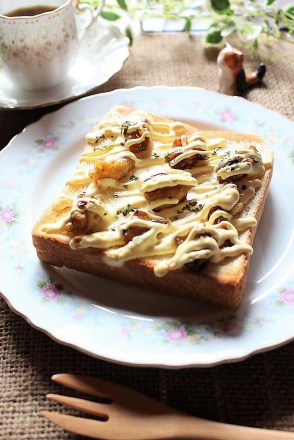 〈やきとりマヨチーズトースト〉 by:準Jun(はーい♪にゃん太のママ改め)さん