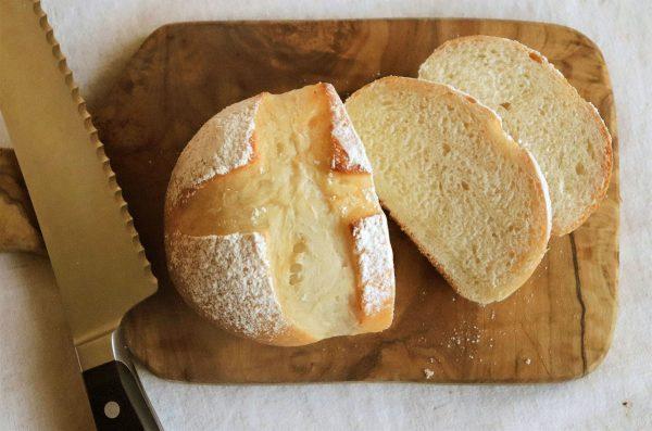 砂糖不使用でヘルシー!こねずに簡単ふわふわ「甘酒の丸パン