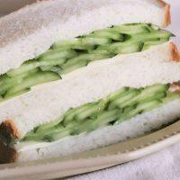 丸ごと1本使用!シンプルで美味しい「きゅうりとチーズのサンドイッチ」