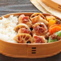 ご飯が進む味!「鶏れんこん梅みそ焼き」「野菜レンジおかか和え」2品弁当