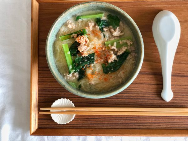 しっかり食べてもヘルシー♪鍋1つで簡単「小松菜の豆乳春雨スープ」