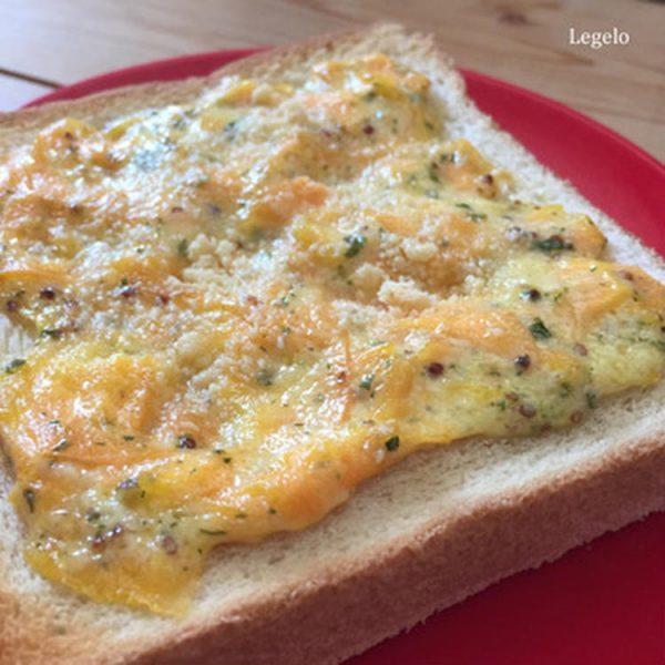とろ~り人参トースト☆超簡単アレンジトーストで朝ごはん♪ by:Legeloさん